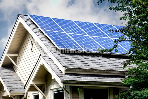 Solar Panels on Roof of Home : Foto de stock