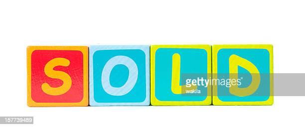 Venduto parola di giocattoli mattoni colorati