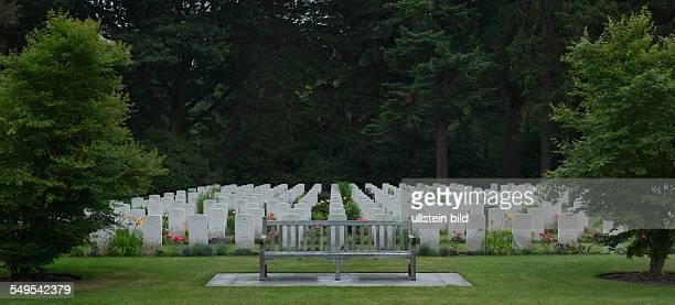 Soldatengräber Kriegsgräberstätte die durch die Commonwealth War Graves Commission errichtet wurde auf dem Ohlsdorfer Friedhof in Hamburg