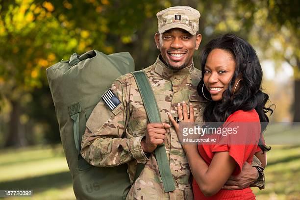 Soldat américain est la maison de déploiement
