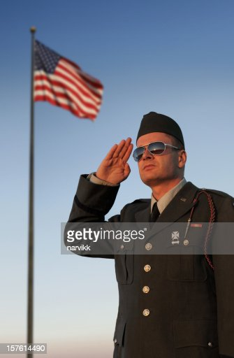 米国ミナミコメツキ敬礼の前に、アメリカの旗