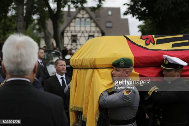 Soldiers carry the coffin of Helmut Kohl from the MS Mainz to the hearseThe coffin of former German Chancellor Helmut Kohl arrived in Speyer on board...