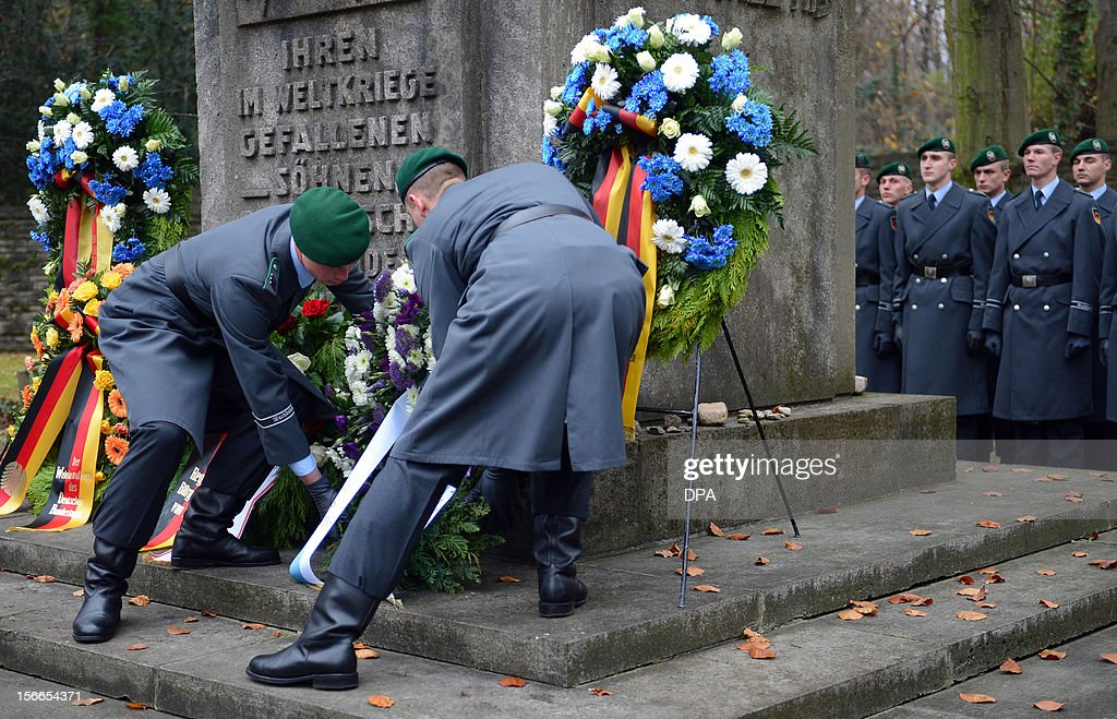 Soldiers lay down a wreath at the Jewish Cemetery in Berlin Weissensee, on November 18, 2012. The memorial ceremony commemorates the 395 soldiers killed during World War I.
