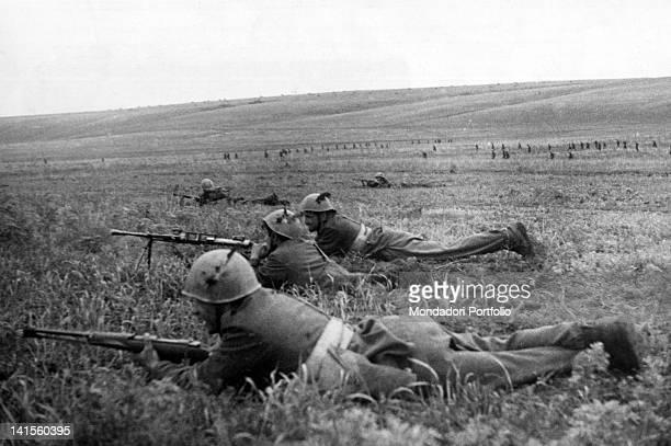 Soldiers of the Italian Alpine Troops of 'Monte Cervino''s battalion attacking the enemies Klinovj June 1942