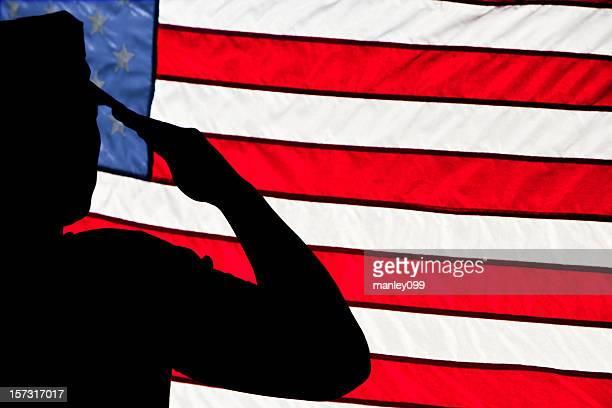 soldier de salute (en esquina