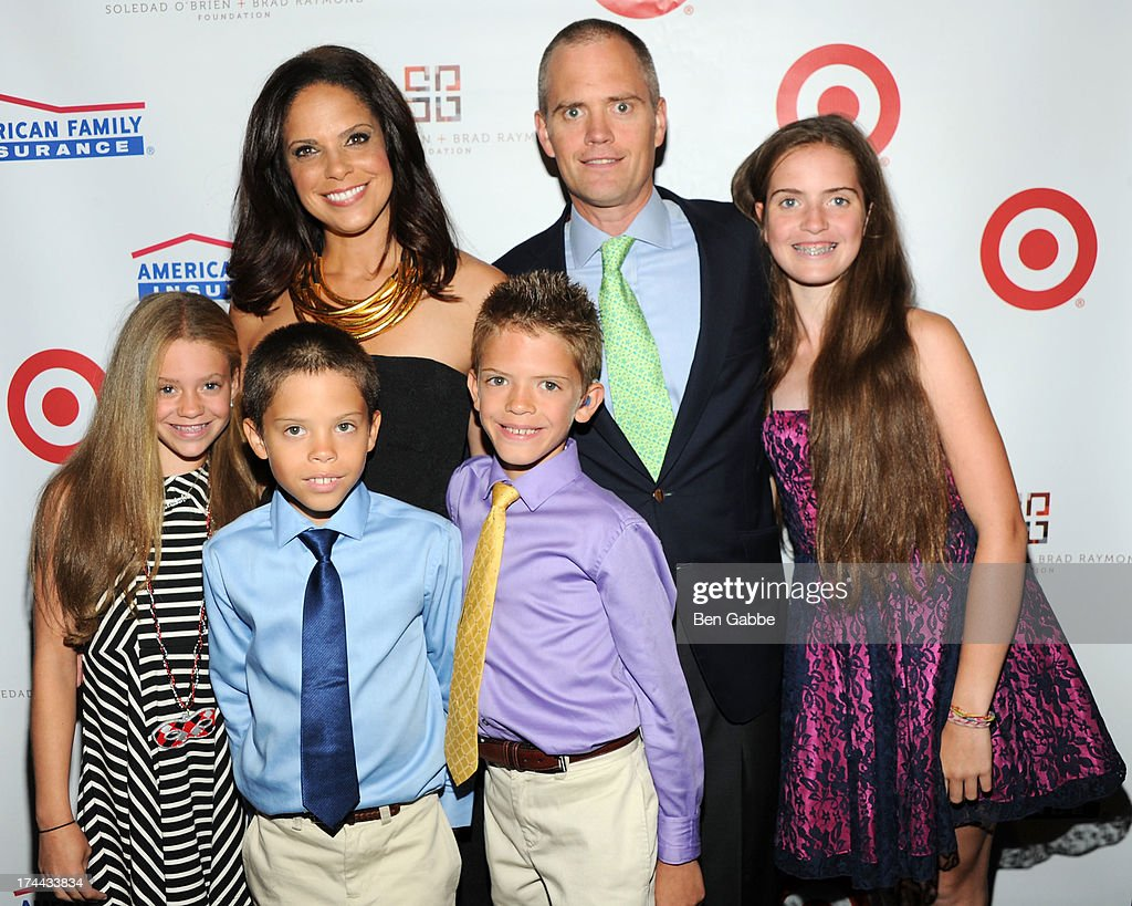<a gi-track='captionPersonalityLinkClicked' href=/galleries/search?phrase=Soledad+O%27Brien&family=editorial&specificpeople=223926 ng-click='$event.stopPropagation()'>Soledad O'Brien</a> and husband Brad Raymond with their kids attend New Orleans To New York City Benefit Gala at Donna Karen's Stephen Weiss Studio on July 25, 2013 in New York City.