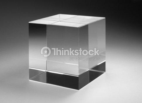 cube de verre uni photo thinkstock. Black Bedroom Furniture Sets. Home Design Ideas