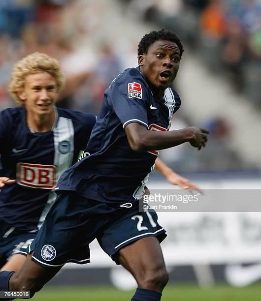 Solomon Okoronkwo of Berlin celebrates scoring the winning goal during the Bundesliga match between Hertha BSC Berlin and VfL Wolfsburg at the...