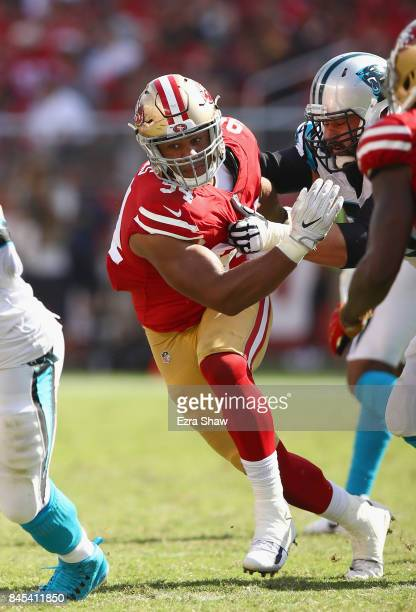 Solomon Thomas of the San Francisco 49ers matches up against Matt Kalil of the Carolina Panthers at Levi's Stadium on September 10 2017 in Santa...