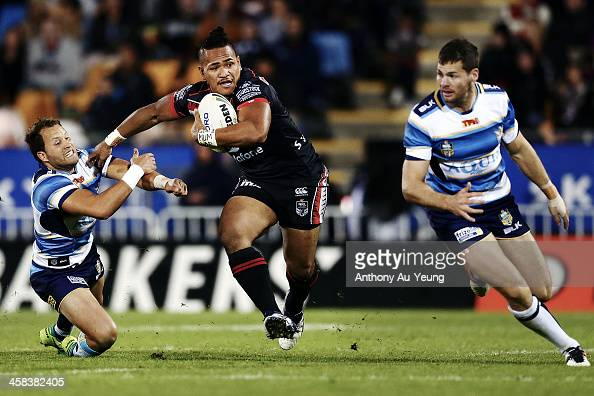Solomone Kata of the Warriors makes a break during the round 17 NRL match between the New Zealand Warriors and the Gold Coast Titans at Mt Smart...
