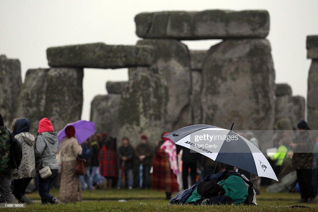 Revellers Celebrate Summer Solstice At Stonehenge