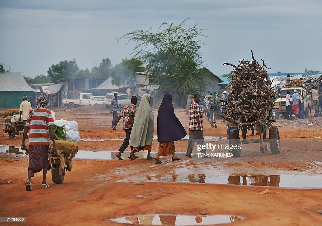 Somali refugees attend market at IFO main camp of the sprawling Dadaab refugee camp north of the Kenyan capital Nairobi April 28 2015 AFP PHOTO/Tony...
