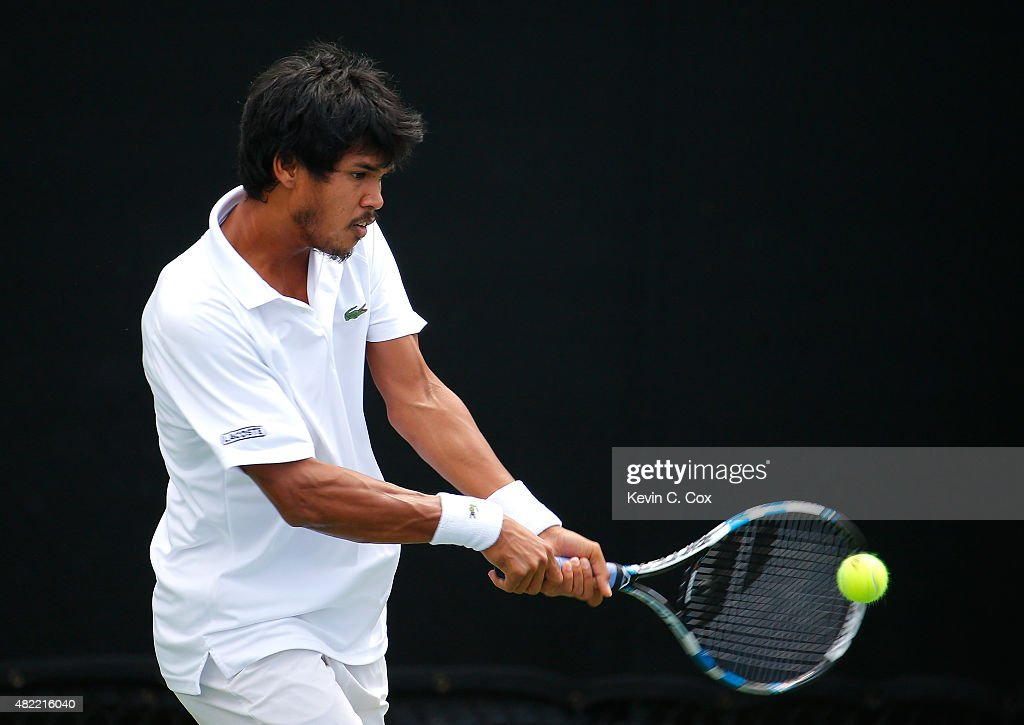 <a gi-track='captionPersonalityLinkClicked' href=/galleries/search?phrase=Somdev+Devvarman&family=editorial&specificpeople=5487712 ng-click='$event.stopPropagation()'>Somdev Devvarman</a> of India returns a backhand against Jared Donaldson during the BB&T Atlanta Open at Atlantic Station on July 28, 2015 in Atlanta, Georgia.