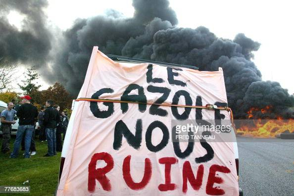 Some French fishermen set fire to block roads to protest against rising fuel costs 05 November 2007 in Quimper western France French Agriculture and...