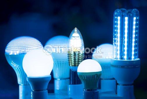 Des Lampes Led De Science Technologie Fond Bleu Clair