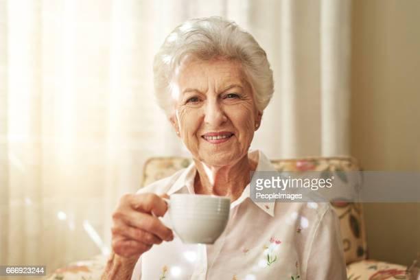 Certaines traditions jamais vieilliront, comme ma tasse de thé thé