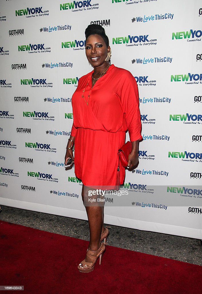 <a gi-track='captionPersonalityLinkClicked' href=/galleries/search?phrase=Sommore&family=editorial&specificpeople=2222913 ng-click='$event.stopPropagation()'>Sommore</a> attends the NewYork.com Launch Party at Arena on May 29, 2013 in New York City.
