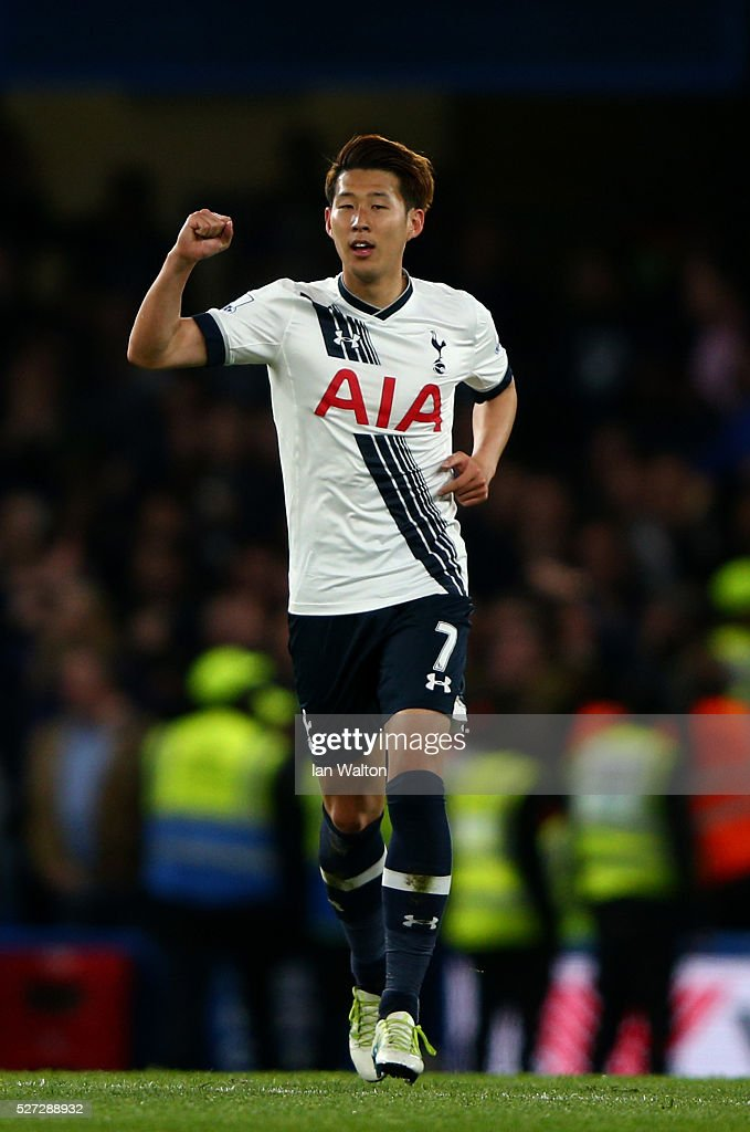 Son Heung-Min of Tottenham Hotspur celebrates after scoring his team's second goal during the Barclays Premier League match between Chelsea and Tottenham Hotspur at Stamford Bridge on May 02, 2016 in London, England.