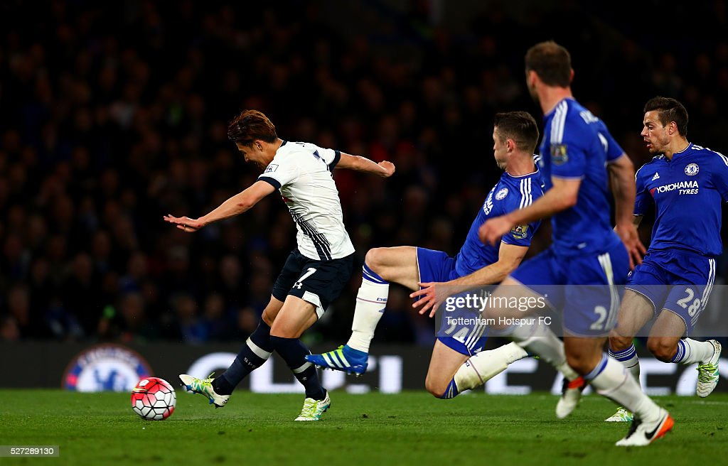 Son Heung-Min of Tottenham Hotspur scores his team's second goal during the Barclays Premier League match between Chelsea and Tottenham Hotspur at Stamford Bridge on May 02, 2016 in London, England.