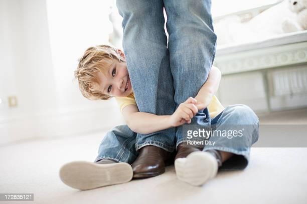 """Son grand-père """"qui épouse les jambes"""