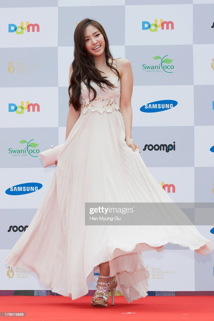 Son Na-Eun of South Korean girl group A Pink arrives for photographs at the Seoul International Drama Awards 2013 at National Theater on September 5, 2013 in Seoul, South Korea.