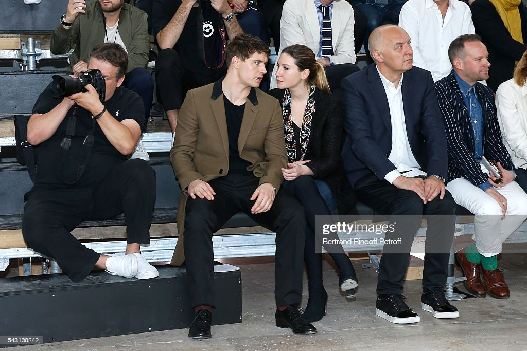 Son of Jeremy Irons, <a gi-track='captionPersonalityLinkClicked' href=/galleries/search?phrase=Max+Irons&family=editorial&specificpeople=762929 ng-click='$event.stopPropagation()'>Max Irons</a> and his companion Sophie Pera attend the Lanvin Menswear Spring/Summer 2017 show as part of Paris Fashion Week on June 26, 2016 in Paris, France.