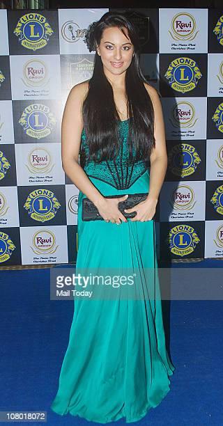 Sonakshi Sinha at the 17th Lions Gold Awards 2011 in Mumbai