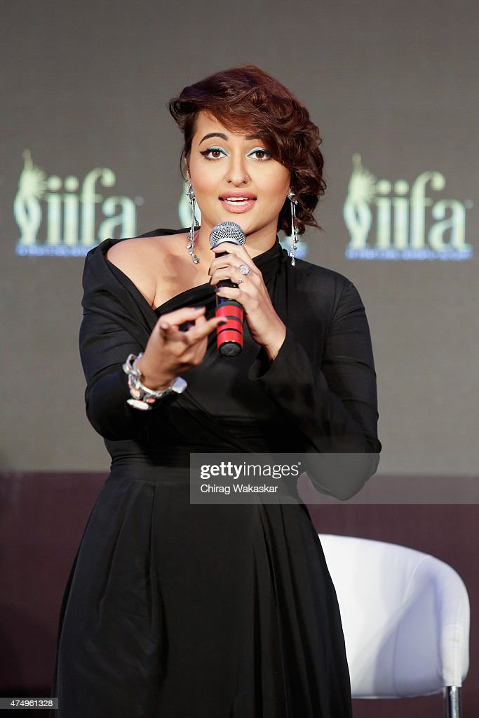 <a gi-track='captionPersonalityLinkClicked' href=/galleries/search?phrase=Sonakshi+Sinha&family=editorial&specificpeople=5781347 ng-click='$event.stopPropagation()'>Sonakshi Sinha</a> attends the IIFA 2015 press conference held at Grand Hyatt on May 28, 2015 in Mumbai, India.