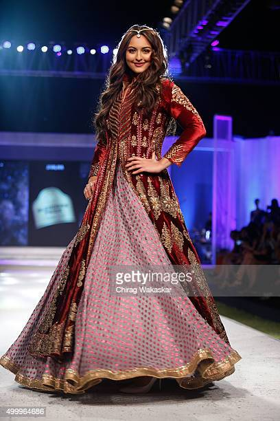 Sonakshi Sinha walks the runway at JJ Valaya show during day 1 of Blenders Pride Fashion Tour 2015 held at the Grand Hyatt on December 4 2015 in...