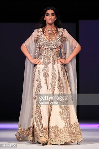Sonam Kapoor showcases designs by Anamika Khanna during the Indian Film Festival of Melbourne Awards Night at National Gallery of Victoria on August...