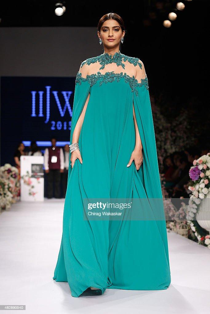 Sonam Kapoor walks the runway during Day 1 of the India International Jewellery Week at the Grand Hyatt on August 3 2015 in Mumbai India