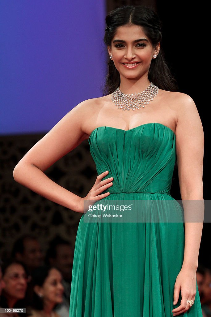 Sonam Kapoor walks the runway in a Gitanjali design at the India International Jewellery Week 2012 Day 1 at the Grand Hyatt on on August 19, 2012 in Mumbai, India.