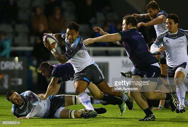 Sonatane Takulua of Newcastle Falcons breaks free of the Connacht Rugby defence during the European Rugby Challenge Cup pool 1 match between...