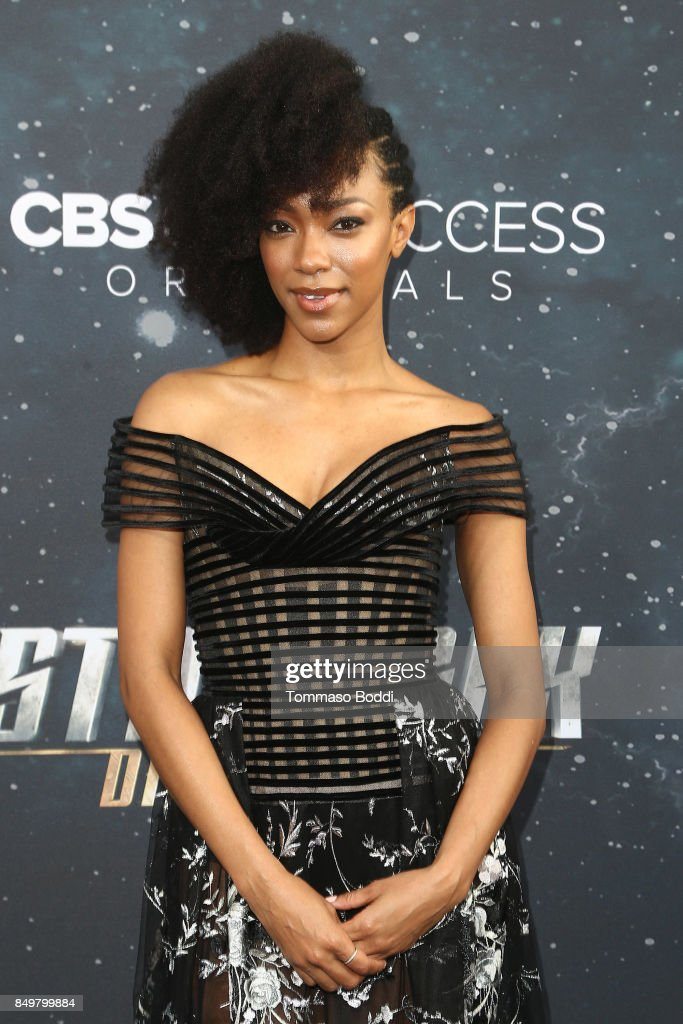 Sonequa Martin attends the premiere of CBS's 'Star Trek: Discovery' at The Cinerama Dome on September 19, 2017 in Los Angeles, California.