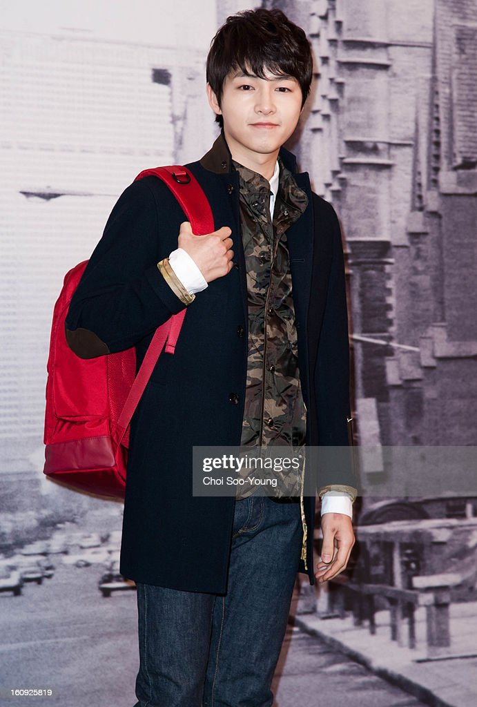 <a gi-track='captionPersonalityLinkClicked' href=/galleries/search?phrase=Song+Joong-Ki&family=editorial&specificpeople=7350123 ng-click='$event.stopPropagation()'>Song Joong-Ki</a> attends Samsonite RED 2013 S/S Launch Event at Coffee Smith on February 7, 2013 in Seoul, South Korea.