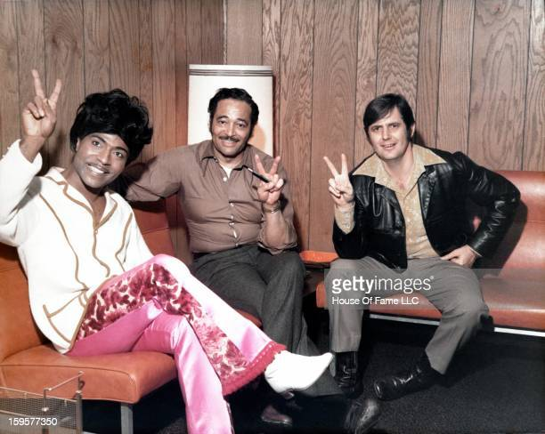 Songwriter and producer Rick Hall Manager songwriter and producer Robert 'Bumps' Blackwell and Rock 'N' Roll pioneer Little Richard pose for a...