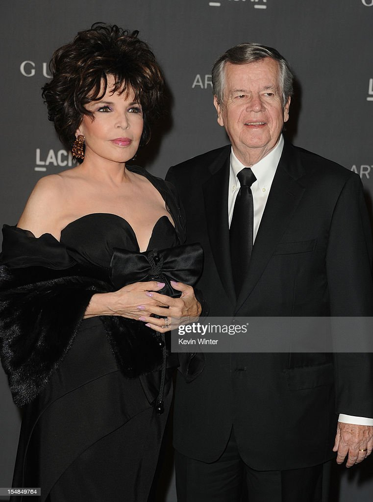 Songwriter <a gi-track='captionPersonalityLinkClicked' href=/galleries/search?phrase=Carole+Bayer+Sager&family=editorial&specificpeople=1104198 ng-click='$event.stopPropagation()'>Carole Bayer Sager</a> and producer Bob Daly arrive at LACMA 2012 Art + Film Gala at LACMA on October 27, 2012 in Los Angeles, California.