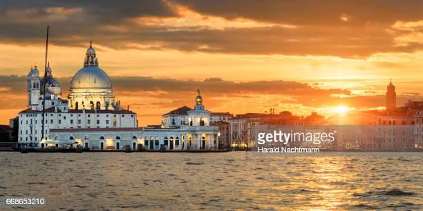 Sonnenuntergang am Canal Grande in Venedig