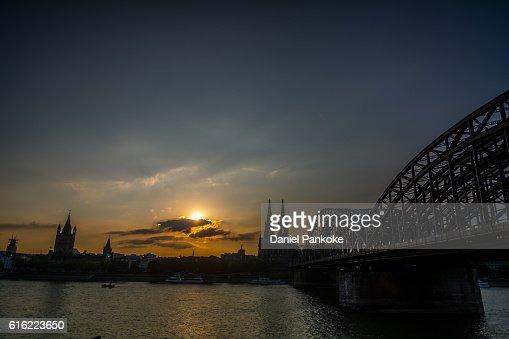Sonnenuntergang in Köln : Stockfoto