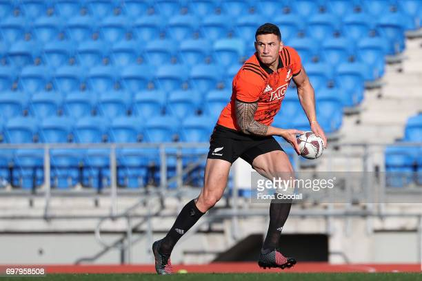 Sonny Bill Williams looks to pass during a New Zealand All Blacks training session at Trusts Stadium on June 20 2017 in Auckland New Zealand