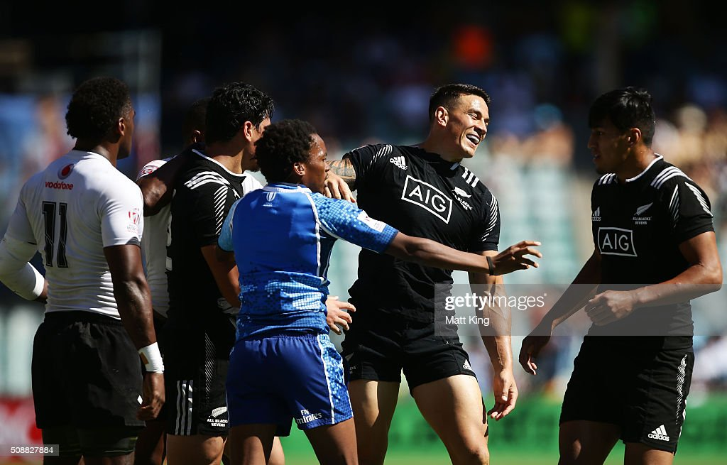 <a gi-track='captionPersonalityLinkClicked' href=/galleries/search?phrase=Sonny+Bill+Williams&family=editorial&specificpeople=204424 ng-click='$event.stopPropagation()'>Sonny Bill Williams</a> of New Zealand scuffles with Fijian players during the 2016 Sydney Sevens Cup Semi Final match between New Zealand and Fiji at Allianz Stadium on February 7, 2016 in Sydney, Australia.