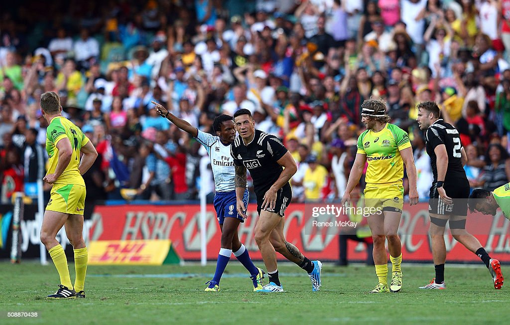 <a gi-track='captionPersonalityLinkClicked' href=/galleries/search?phrase=Sonny+Bill+Williams&family=editorial&specificpeople=204424 ng-click='$event.stopPropagation()'>Sonny Bill Williams</a> of NZ is yellow carded during the 2016 Sydney Sevens Final between New Zealand and Australia at Allianz Stadium on February 7, 2016 in Sydney, Australia.
