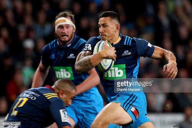 Sonny Bill Williams of the Blues makes a break during the round seven Super Rugby match between the Highlanders and the Blues on April 8 2017 in...