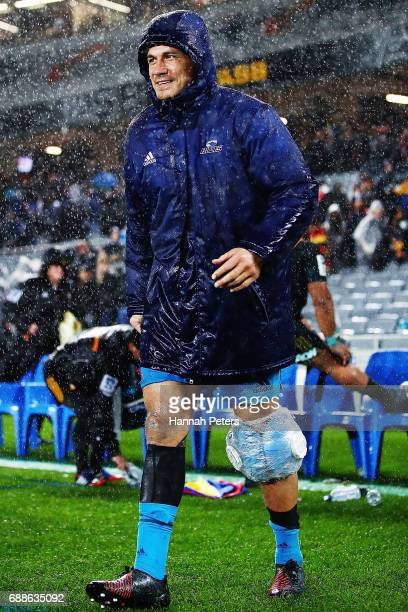 Sonny Bill Williams of the Blues walks off injured during the round 14 Super Rugby match between the Blues and the Chiefs and Eden Park on May 26...