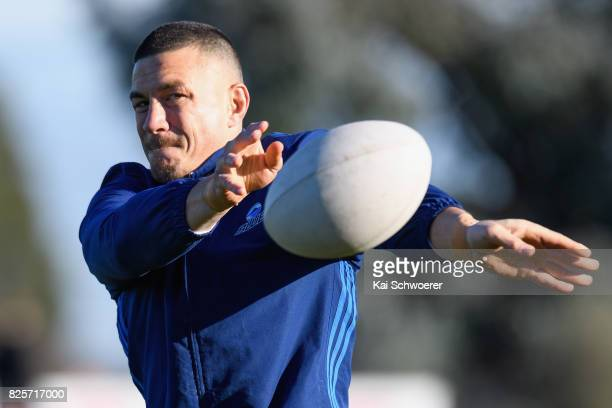 Sonny Bill Williams passes the ball during a New Zealand All Blacks training session on August 3 2017 in Christchurch New Zealand