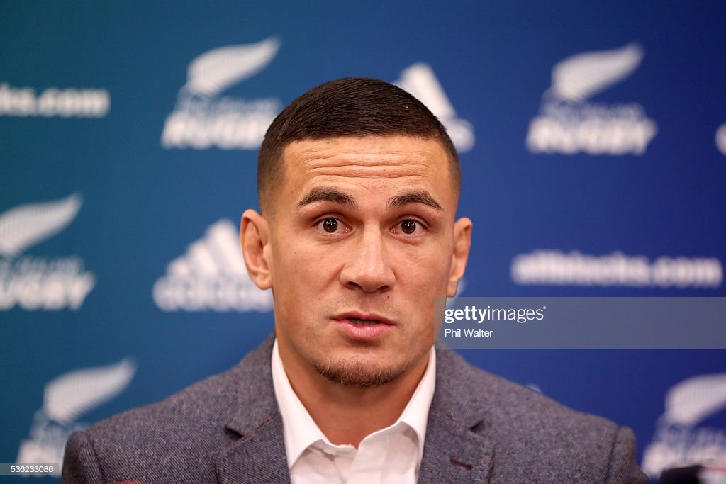 <a gi-track='captionPersonalityLinkClicked' href=/galleries/search?phrase=Sonny+Bill+Williams&family=editorial&specificpeople=204424 ng-click='$event.stopPropagation()'>Sonny Bill Williams</a> speaks during a press conference at the Heritage Hotel on June 1, 2016 in Auckland, New Zealand. <a gi-track='captionPersonalityLinkClicked' href=/galleries/search?phrase=Sonny+Bill+Williams&family=editorial&specificpeople=204424 ng-click='$event.stopPropagation()'>Sonny Bill Williams</a> announced today he has signed a three year contract with New Zealand Rugby.