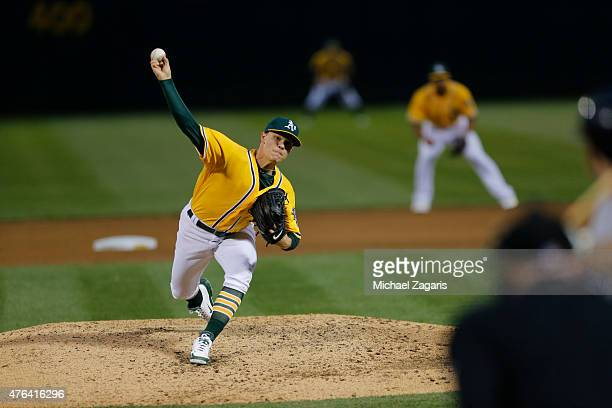 Sonny Gray of the Oakland Athletics pitches during the game against the New York Yankees at Oco Coliseum on May 29 2015 in Oakland California The...