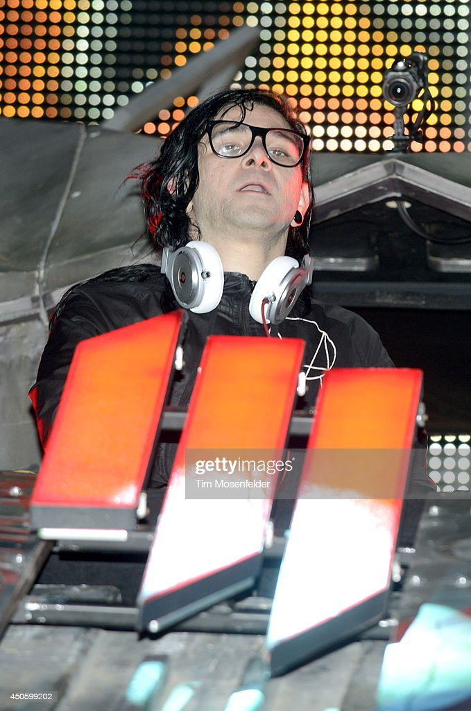 Sonny Moore aka <a gi-track='captionPersonalityLinkClicked' href=/galleries/search?phrase=Skrillex&family=editorial&specificpeople=7574565 ng-click='$event.stopPropagation()'>Skrillex</a> performs during the 2014 Bonnaroo Music & Arts Festival on June 13, 2014 in Manchester, Tennessee.