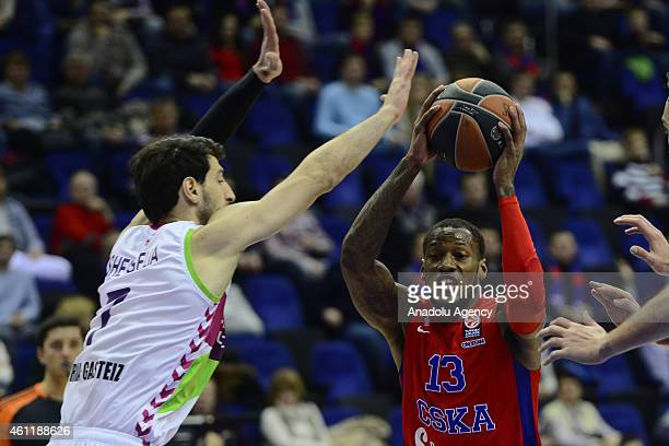 Sonny Weems of CSKA Moscow in action against his rival during their Euroleague Top16 group F basketball match in Moscow on January 8 2015