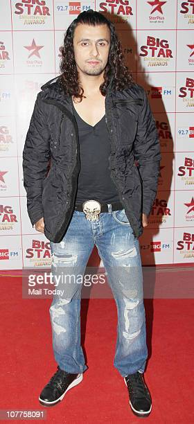 Sonu Nigam at BIG STAR Entertainment Awards '10' at Bhavan's Ground Andheri on December 21 2010